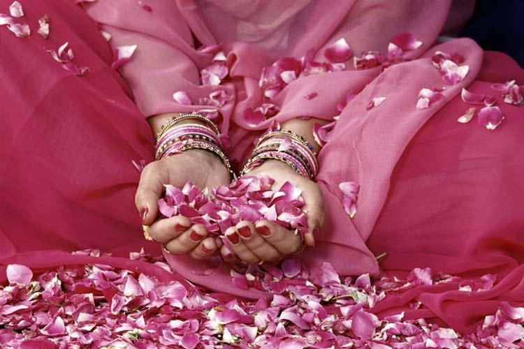 http://danzaterapiaoriental.files.wordpress.com/2011/06/cuatro-leyes-de-la-espiritualidad.jpg
